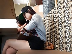 2 leuke Aziatische tieners